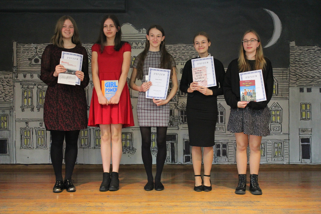Laureaci konkursu w kategorii klas 7-8