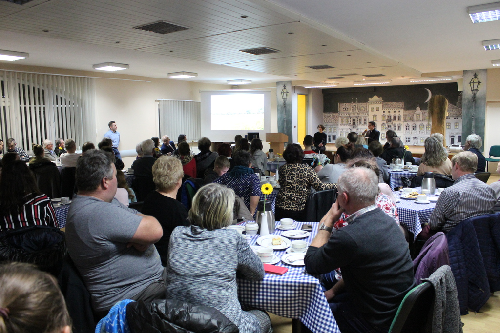 II Bialska Akademia Wiedzy - uczestnicy zebrani w sali GCK w Białej