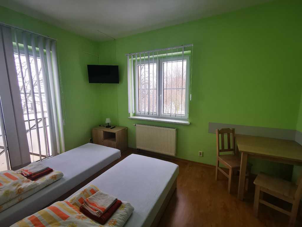 Zdjęcie przedstawia jeden z naszych pokoi hotelowych