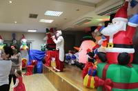 Zdjęcie przedstawia klauna Rupherta na scenie w GCK w Białej