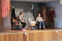 """Na zdjęciu scena ze spektaklu """"Cisza"""" - w wykonaniu grupy Klasyczny Maniak Teatralny"""