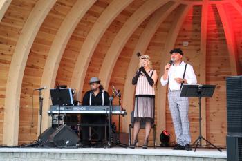 Występ zespołu Winyl Band